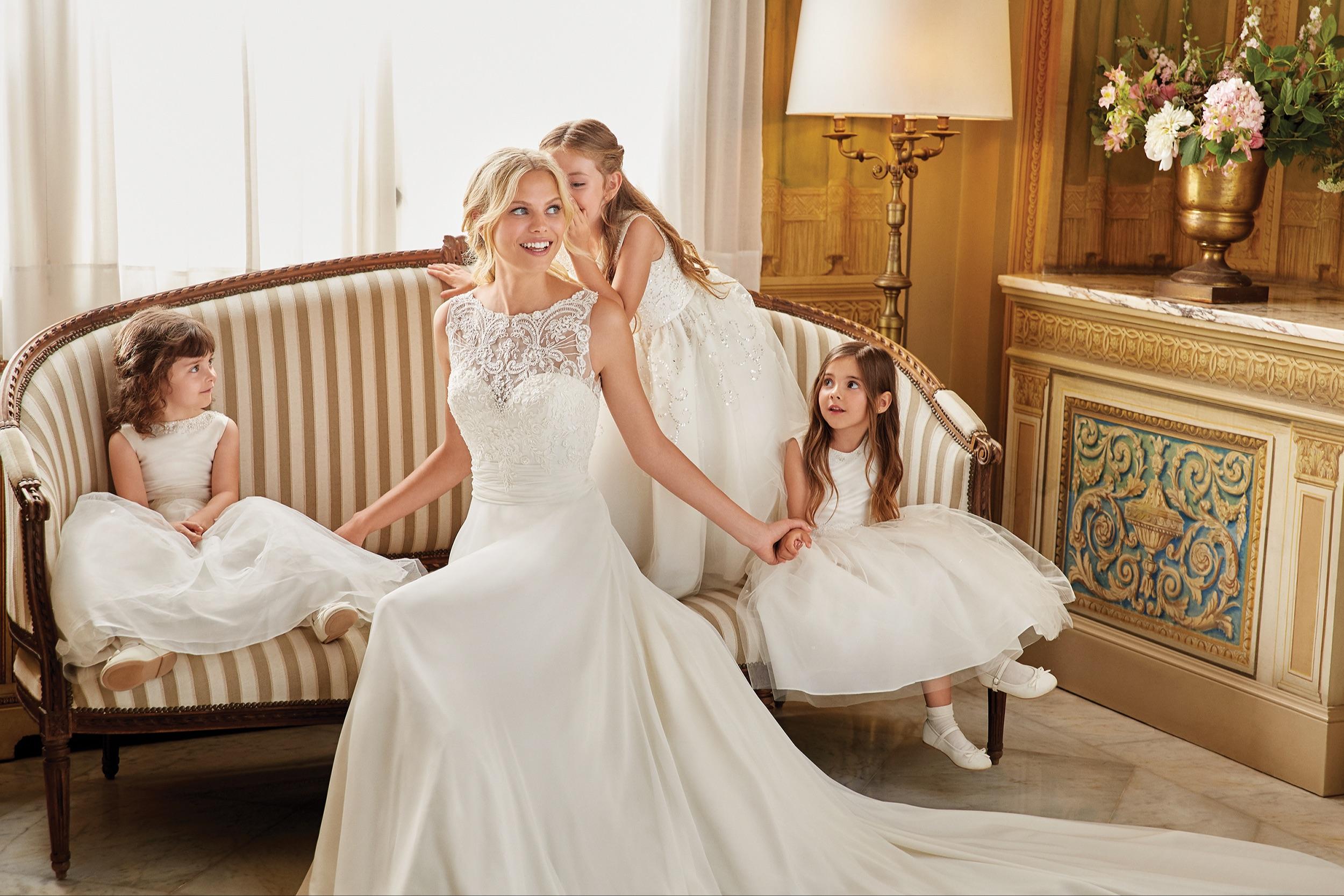 Simple Wedding Dresses Under 500: Trouwjurken, Herenkostuums, Feestkledij Of Kinderoutfits